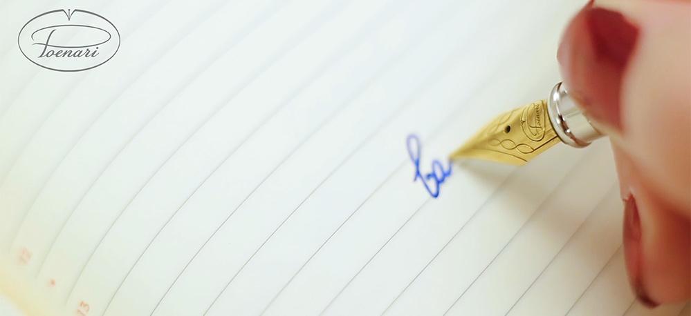 Descoperă care sunt principalele beneficii oferite de scrisul de mână. Cât de important este să NU renunțăm la acest obicei?