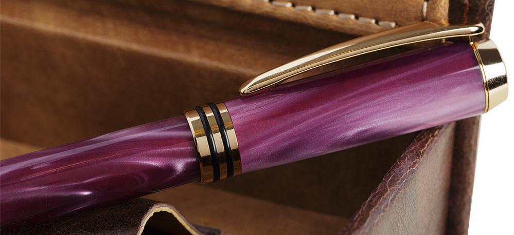 Vedeta primăverii la POENARI:  stiloul de lux Baron Lavande