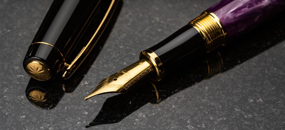 Caligrafia semnifică arta scrisului frumos